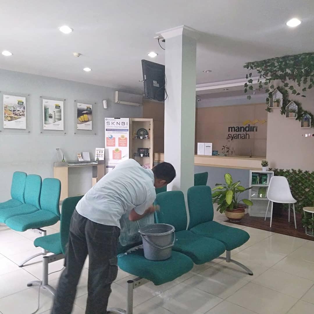 Cuci Kursi Kantor di Medan