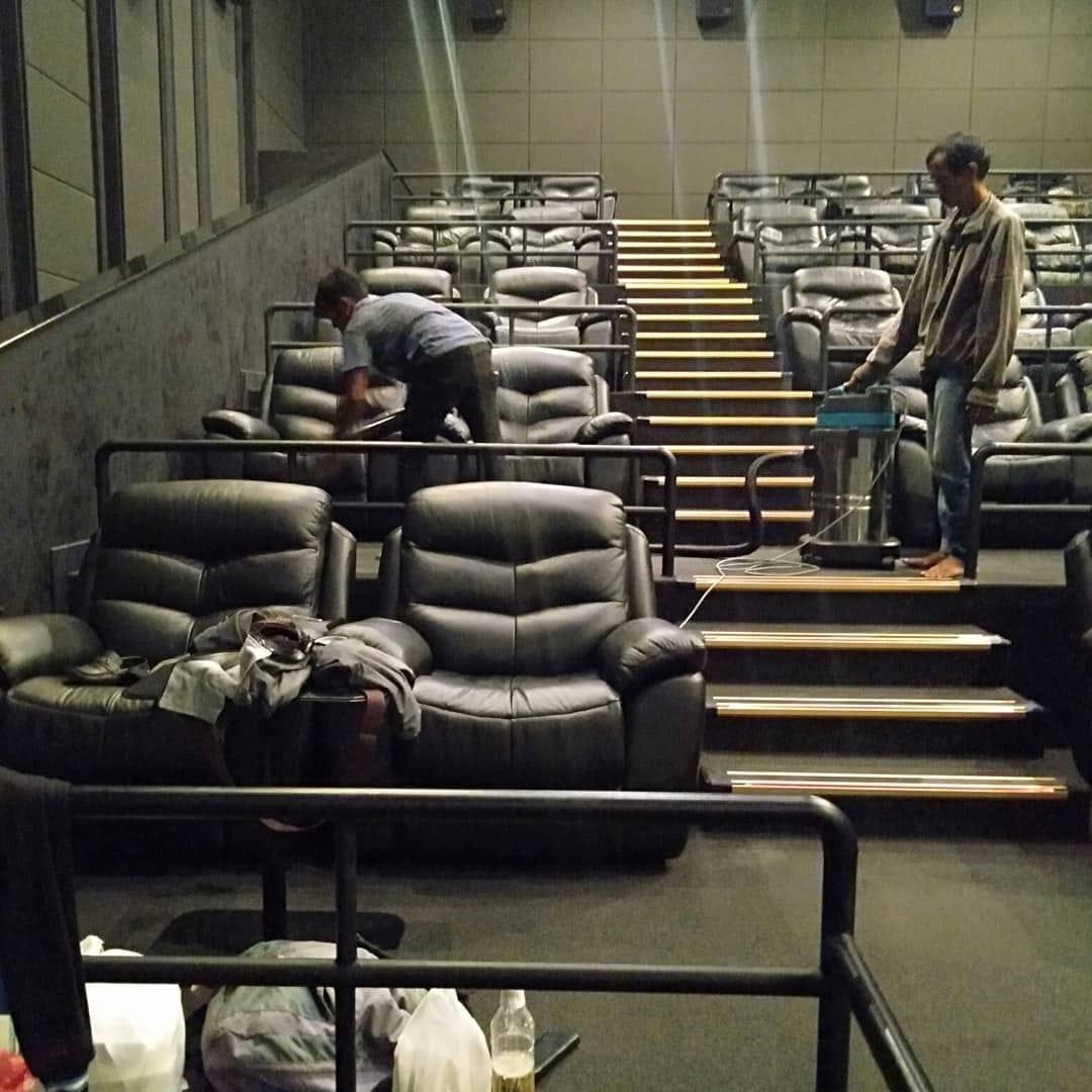 Jasa Cuci Karpet dan Kursi Bioskop di Medan